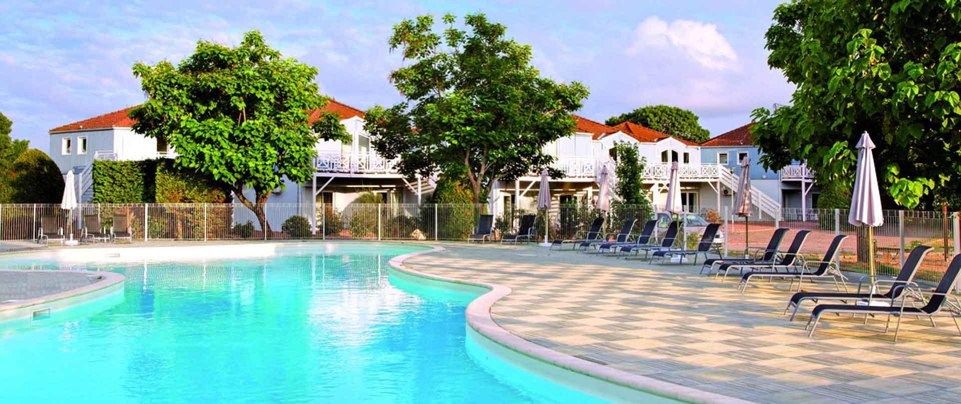 Resort marans la rochelle neh group for Piscine de la rochelle